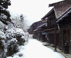 (寺下の冬)